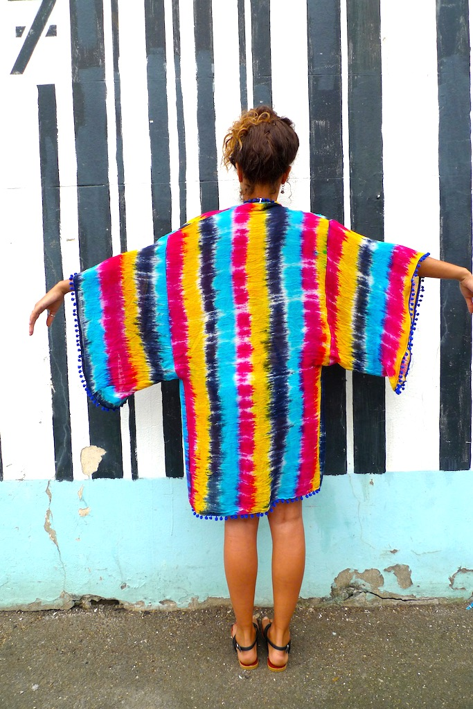 one size pom pom kimono