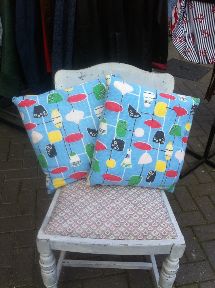 1950s scatter cushion